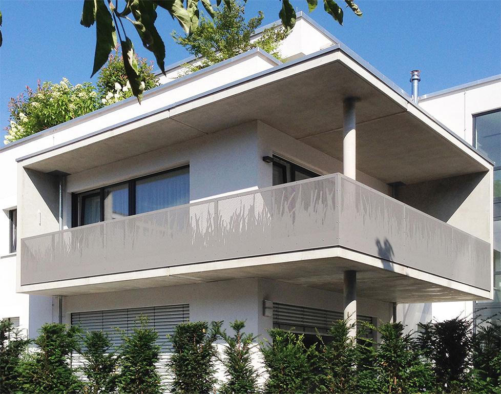 Großzügige Balkone der offene Grundrisse Grünenwald + Heyl . Architekten